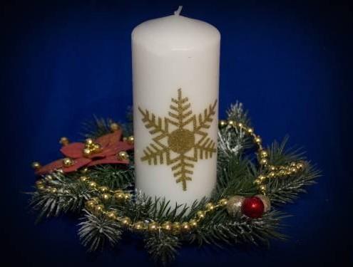 Рождественская свеча с декором